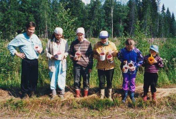 Puolukan poimijat-Markku Eskola-Metsä minä -kampanja